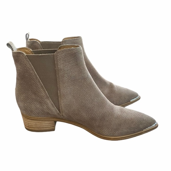 Marc Fisher Yale Chelsea Boot - Cloud Suede sz 10